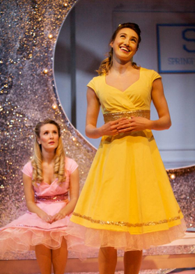 BWW Review: THE MARVELOUS WONDERETTES, Upstairs at The Gatehouse