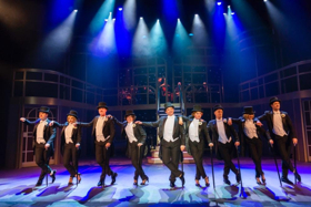 BWW Review: CHARLEY DE KOMISCHE MUSICAL at Oude Luxor Rotterdam: old Hollywood glamour meets Fawlty Towers!