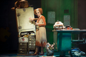 Lesley Joseph To Play 'Miss Hannigan' In ANNIE