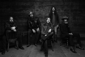 BLACKBERRY SMOKE Releases LET ME DOWN EASY Featuring Amanda Shires, New Album Out 4/6