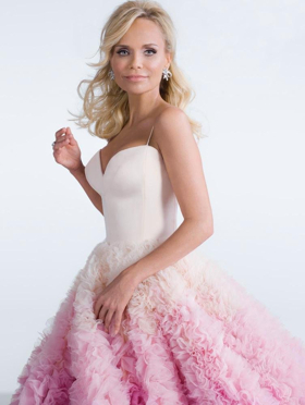 Bid Now to Meet Kristin Chenoweth with 2 Artist Guest List Tickets to a Tour Show of Your Choice