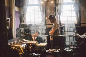 Singer-Songwriter John Craigie Announces New Album SCARECROW