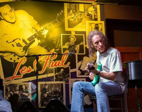 Guitar Legend Scott Henderson Offers 10-Week Course Teaching Basic Steps to Improvisation and General Organization on the Guitar