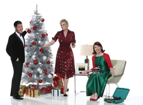 BWW Review: JANE LYNCH, A SWINGIN' LITTLE CHRISTMAS at The Cabaret