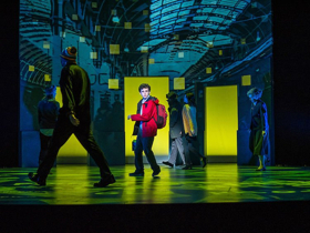 BWW Review: THE CURIOUS INCIDENT OF THE DOG IN THE NIGHT-TIME Dazzles in ZACH Texas Premiere