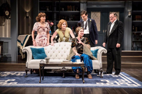 BWW Review: The Guthrie Theater's BLITHE SPIRIT is Pure and Pleasant Escapist Entertainment, an Exquisitely Written and Executed Comedy