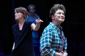 BWW Review: OUT OF WATER, Orange Tree Theatre