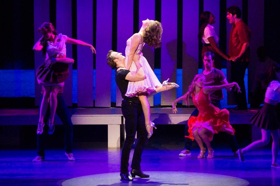 BWW Review: DIRTY DANCING Comes to Life at the Landmark Theatre