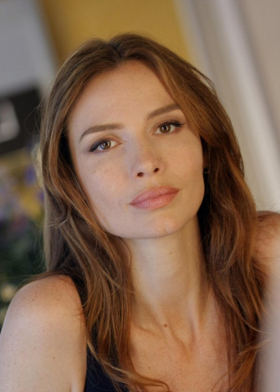 MOZART IN THE JUNGLE's Saffron Burrows to Star as 'Jackie O' in World Premiere at The Wallis