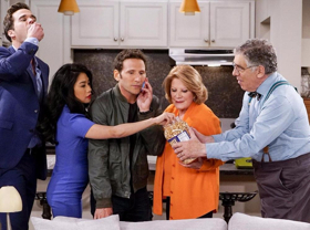 Mark Feuerstein Stars as Divorced Actor Who Moves In Between Family on 12/25 CBS's 9JKL Rebroadcast