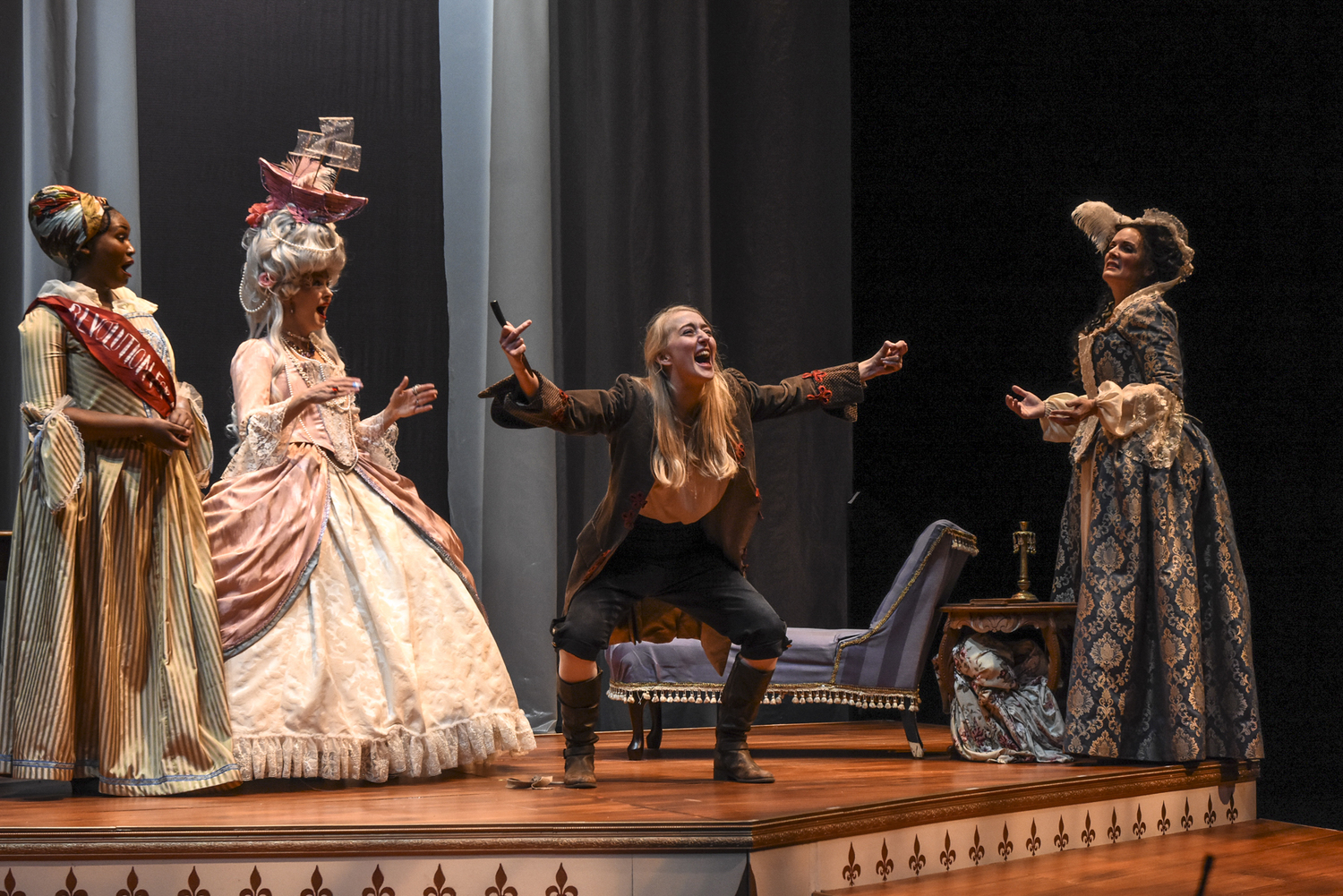 BWW Review: THE REVOLUTIONISTS at Tempe Center For The Arts