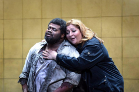BWW Interview: From BOHEME to OTELLO and Back, Met Tenor Russell Thomas Finds Variety the Spice of Singing Opera
