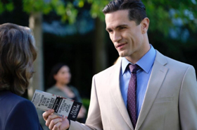 BWW Recap: SUPERGIRL's Agent Liberty Shows Us the Devastating Effects of Fear Mongering in 'The Man of Steel'