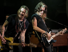 Joe Perry Performs With All Star Band