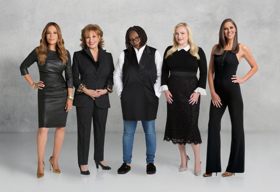 Scoop: Upcoming Guests on THE VIEW Include Kelly Clarkson, Sally Field, and More!