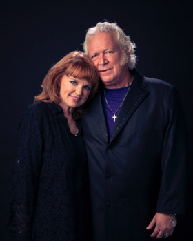 T. Graham Brown and Wife Sheila Brown To Be Crowned Bell Buckle, Tennessee's 2019 RC Cola and Moon Pie King and Queen