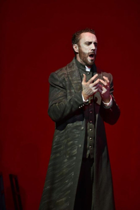 BWW Interview: MEFISTOFELE is a Devil of a Hat-Trick for the Met's Rising Star Christian Van Horn