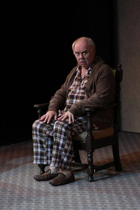 BWW Review: THE FATHER - Prospective Shifting Production