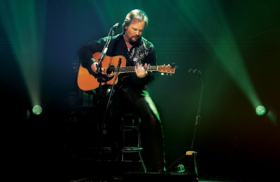 100% ACOUSTIC! Grammy Winner Travis Tritt Brings An Intimate Solo Acoustic Concert To The McCallum