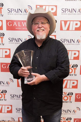 Country Music Singer-Songwriter Max T. Barnes Wins International Artist of the Year Award At Hot Country TV Awards