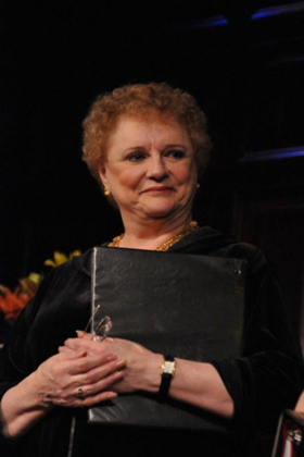 Four Broadway Theatres To Dim Lights In Memory Of Tony Award Winner Carole Shelley