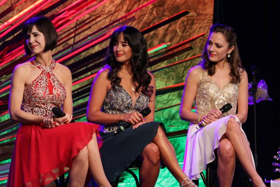 DVR Alert: Laura Osnes, Susan Egan, And Courtney Reed Head To Food Network WINNER CAKE ALL