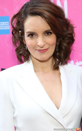 MEAN GIRLS Writer & Comedy Legend Tina Fey Returns to SATURDAY NIGHT LIVE This May