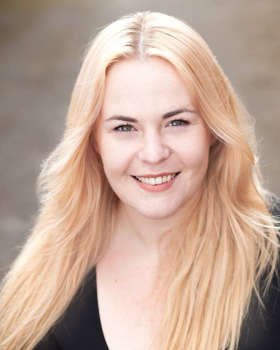 Em Barret named as the 2018 WELSH MUSICAL THEATRE YOUNG SINGER OF THE YEAR
