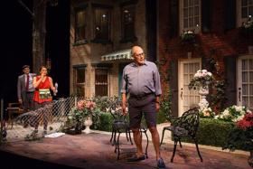 BWW Review: NATIVE GARDENS Bloom at Merrimack Repertory Theatre