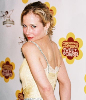 Christina Applegate to Star in Upcoming Netflix Dark Comedy DEAD TO ME