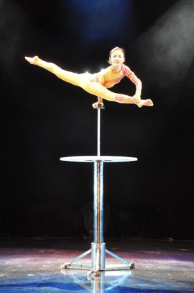 CIRQUE D'OR Brings High-Flying Fun To Victoria Theatre