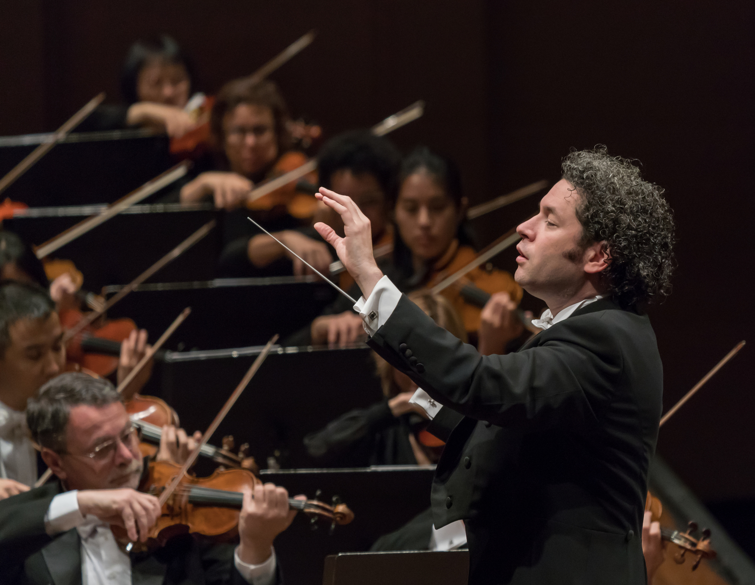 BWW Review: DUDAMEL AND THE LOS ANGELES PHILHARMONIC at Geffen Hall - First the Dodgers, then the Giants...