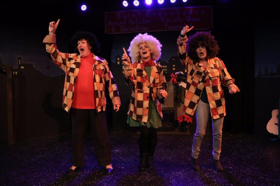 Review: THE ULTIMATE CHRISTMAS SHOW (Abridged) Offers Continuous Holiday Hilarity at the Torrance Theatre Company