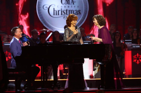 CMA COUNTRY CHRISTMAS Airs Tonight On ABC