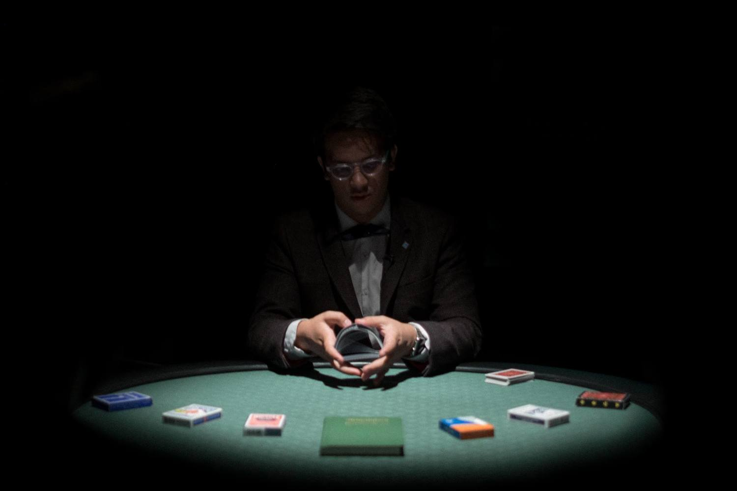 BWW Review: THE EXPERT AT THE CARD TABLE - HOW TO CHEAT AT CARDS: ADELAIDE FRINGE 2018 at La Boheme