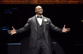 BWW Review: Eddie George Kills It in CHICAGO!