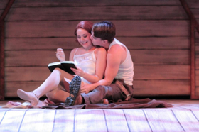 BWW Review: Candlelight Pavilion Presents an Engaging BONNIE & CLYDE