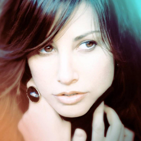Gina Gershon Makes Her Cafe Carlyle Debut