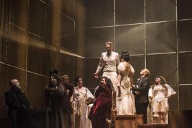 BWW Review: Boston Lyric Opera's THE THREEPENNY OPERA Is On The Money