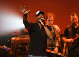 Darius Rucker Concert Special Premieres on AT&T AUDIENCE Network, 12/8