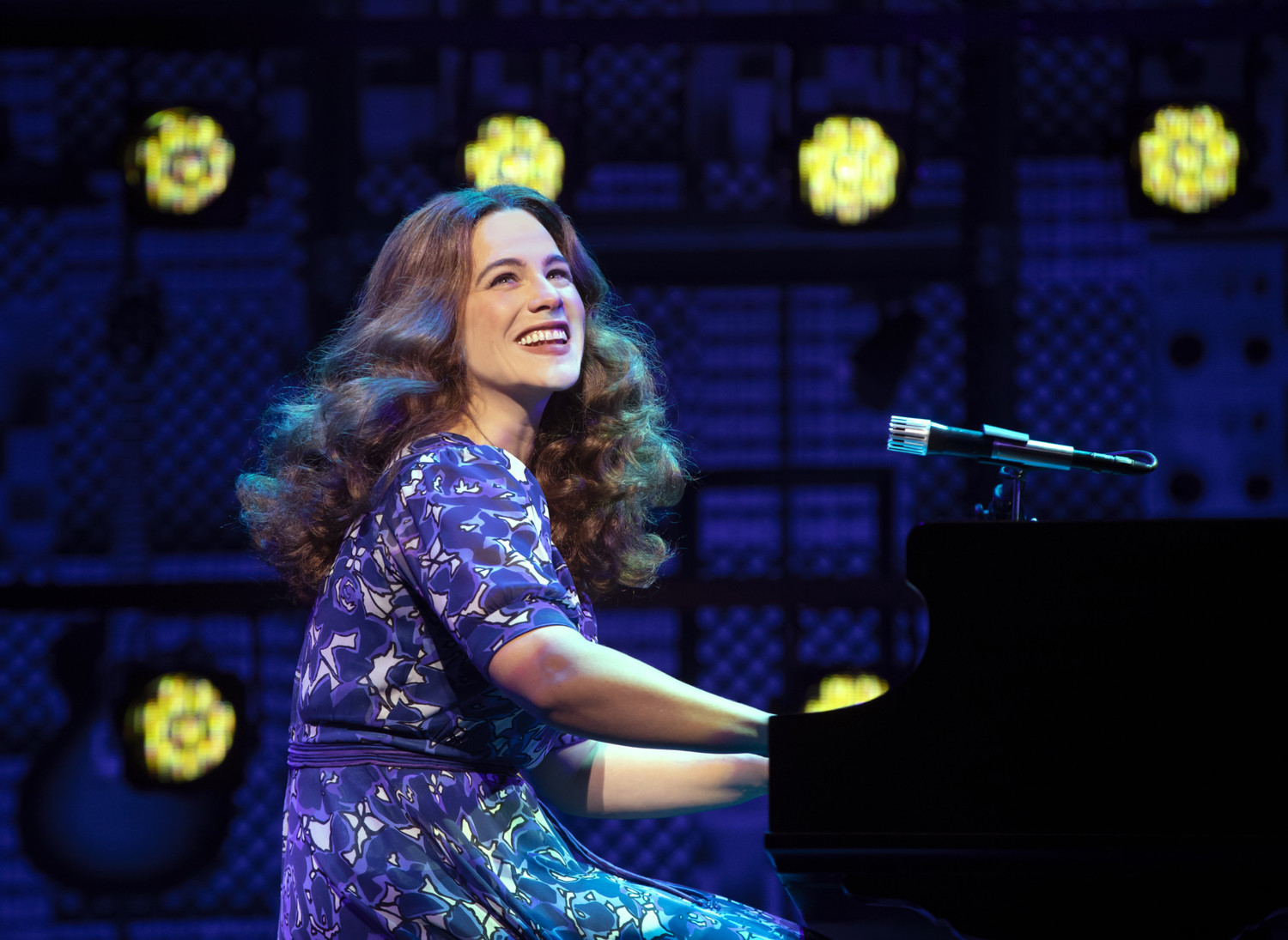 BWW Review: BEAUTIFUL: THE CAROLE KING MUSICAL Brings Iconic Songs and An Inspirational Story To Vancouver!