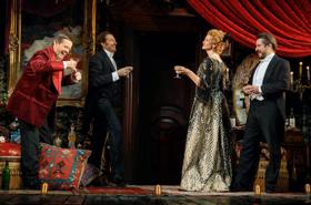 BERNHARDT/HAMLET Extends Broadway Run Through November 18