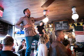 BWW Review: SHAKESBEER-The Popular Pub Crawl Captivates and Entertains
