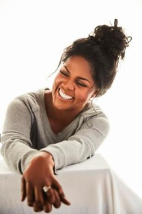 Gospel Legend Cece Winans Releases New Song BEAUTIFULLY BROKEN