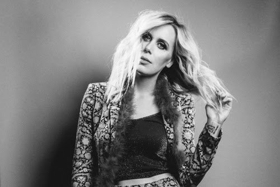 Elise Davis Releases Video For THE BURN in Advance of Tour Dates with Lissie, Ray LaMontagne and SUSTO