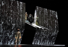 BWW Review: Finding GOLD as the Met's Ring Cycle Begins Anew