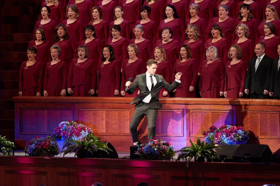 BWW Review: Matthew Morrison and Laura Michelle Kelly Join Mormon Tabernacle Choir for Tribute to Rodgers and Hammerstein