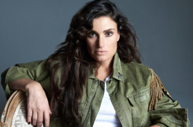 BWW Exclusive: Idina Menzel Gives Us the Scoop on BroaderWay's Upcoming Broadway Battle- Karaoke-Style on May 21!
