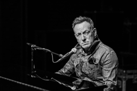 Review Roundup: What Did Critics Think of SPRINGSTEEN ON BROADWAY on Netflix?