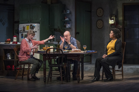 BWW Review: THE CHILDREN at Steppenwolf Theatre Company